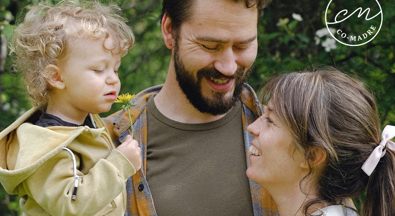 La importancia de una infancia feliz y contenida